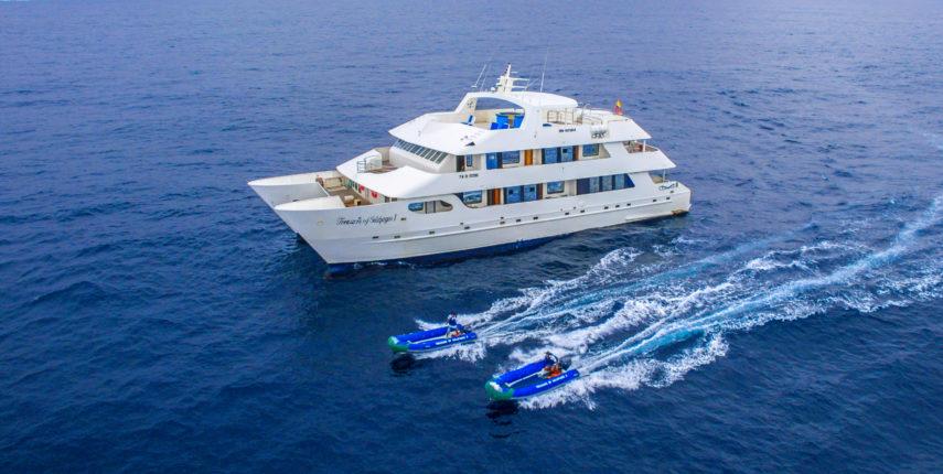 Treasure of Galapagos - Motor Catamaran
