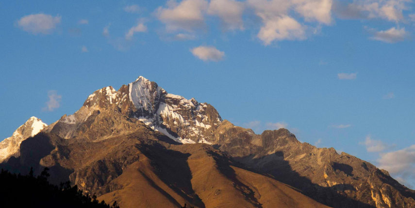 PER-06 / Churup Lake – Cordillera Blanca – Churup seen from Huaraz (photo: Juan Carlos Gonzalez)