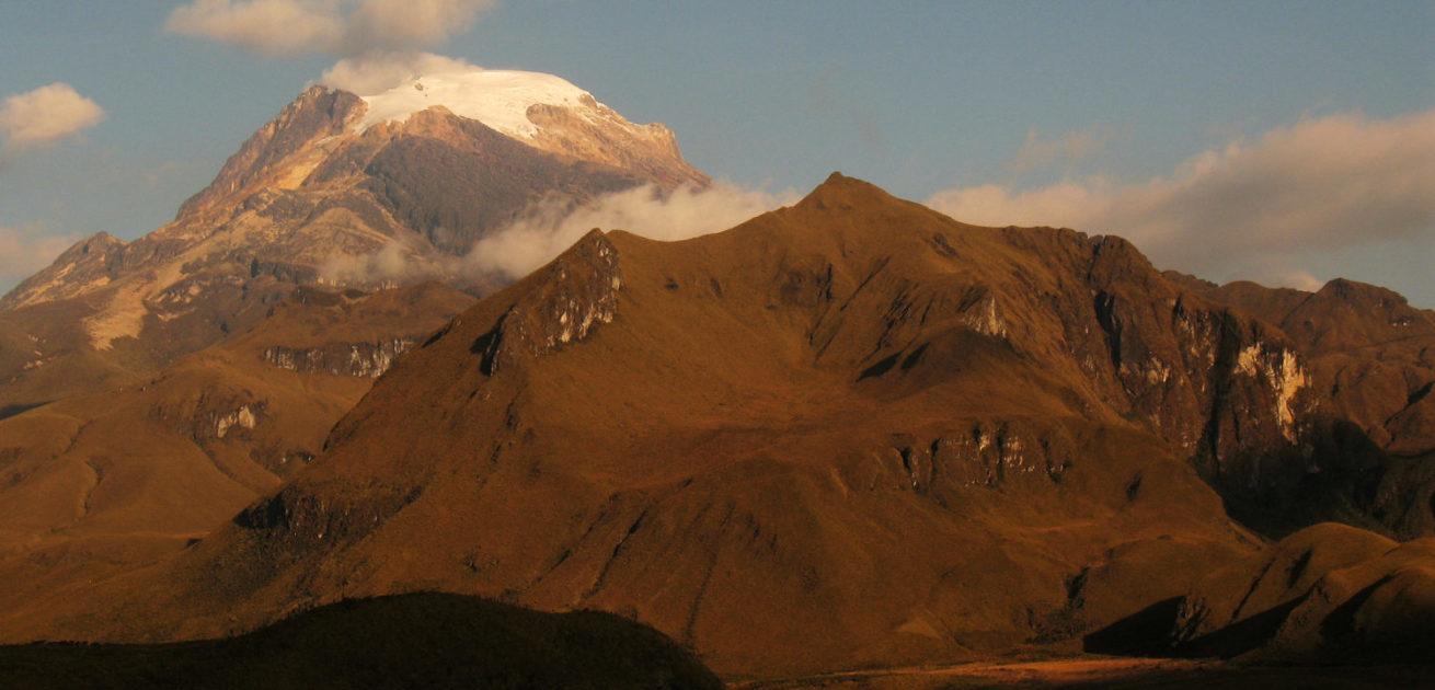 Nevado del Tolima 5221 m by the Quindio River Valley